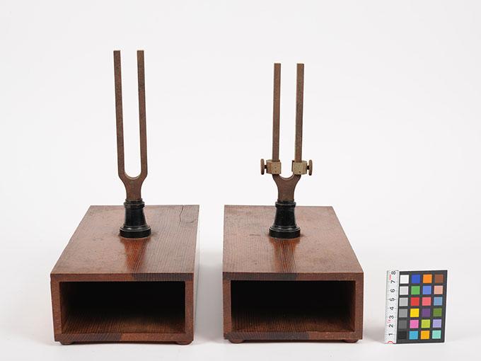 音叉および共鳴箱2