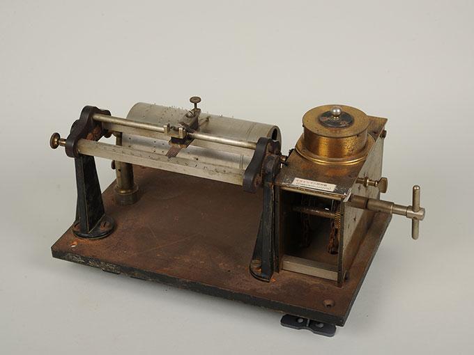 ヴント式リズム発生器Wundt's Timing Apparatus