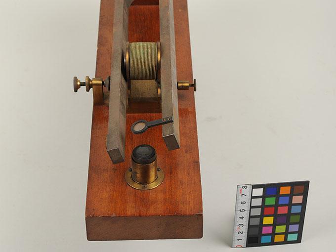 電磁音叉Großer Stimmgabel-Apparat6