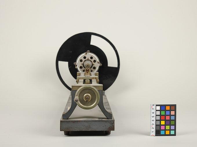 マルべの混色器マルベ(Marbe)の混色の実験装置とその関連機器 4
