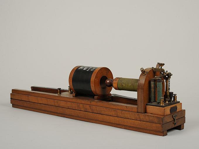 最小可聴音検査器(横形)Schlitteninduktions Apparat nach Du Bois-Reymond2