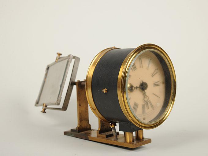 太陽光導入装置(ヘリオスタット)と光波長計 2