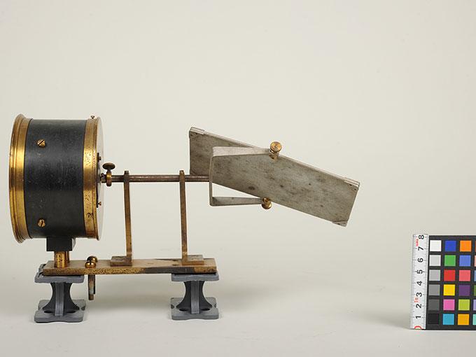 太陽光導入装置(ヘリオスタット)と光波長計 5