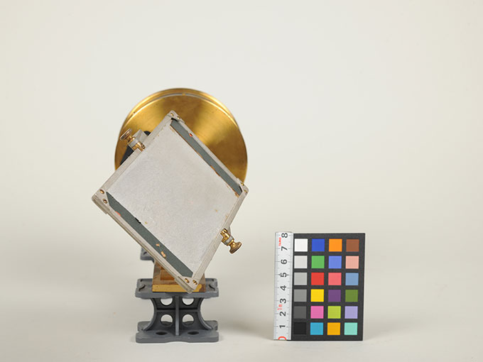 太陽光導入装置(ヘリオスタット)と光波長計 6