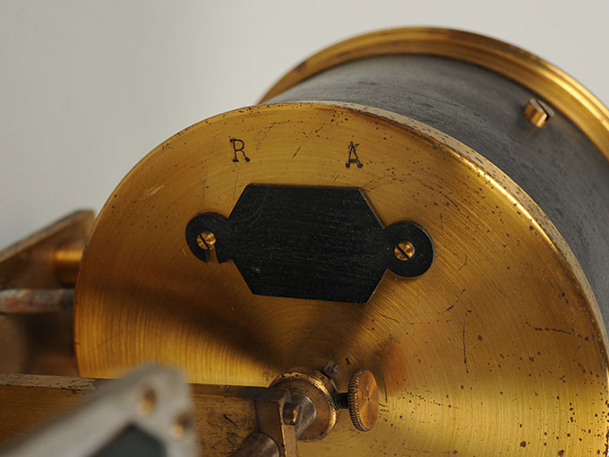 太陽光導入装置(ヘリオスタット)と光波長計 7