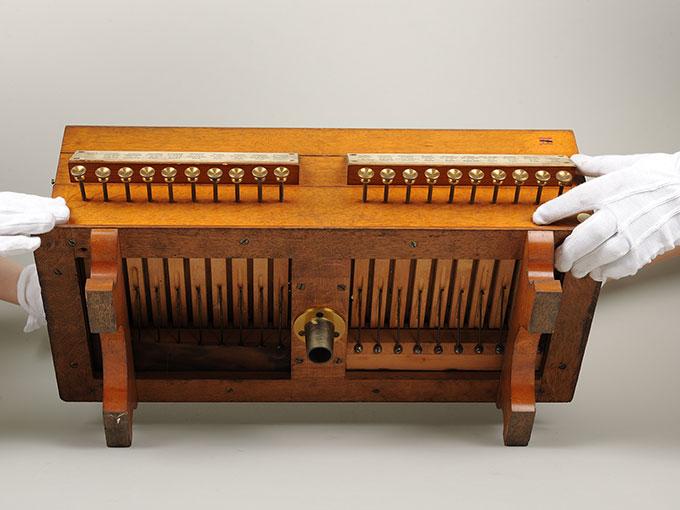 標準音響発生器音響音程発生器14
