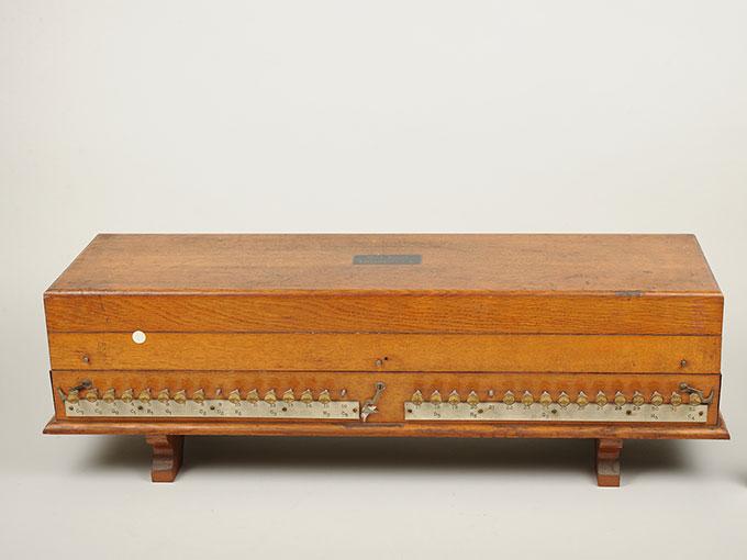 標準音響発生器音響音程発生器18