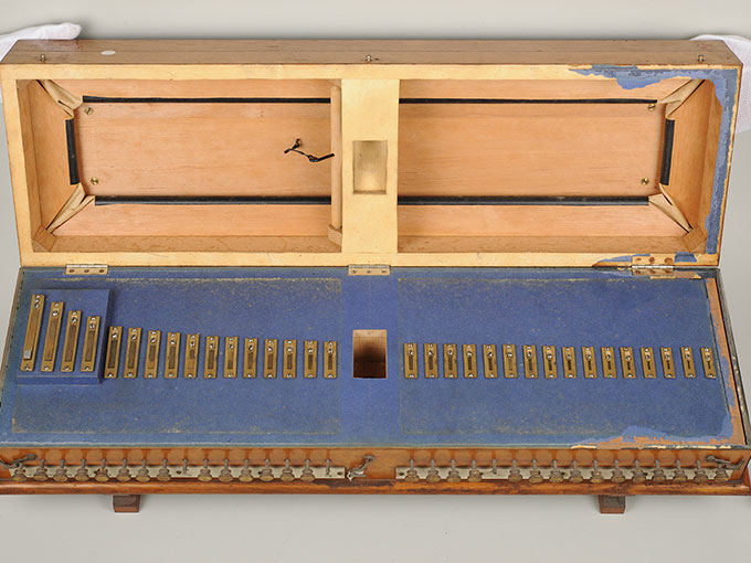 標準音響発生器音響音程発生器23
