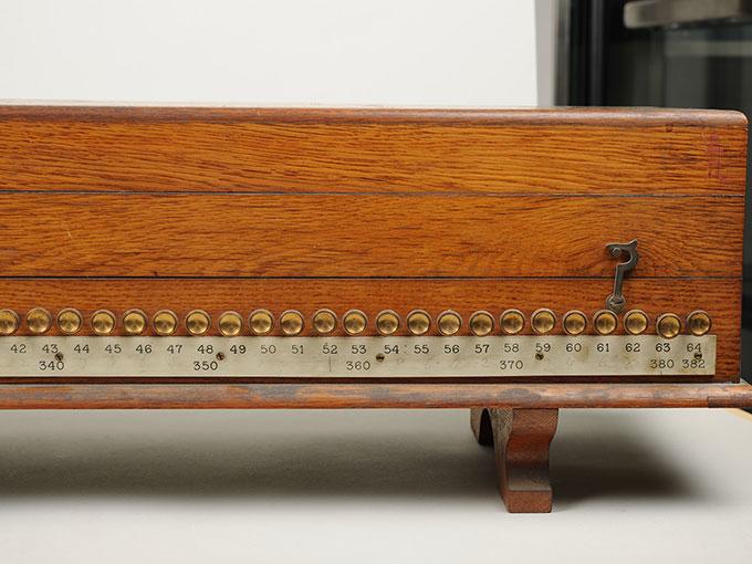 標準音響発生器音響音程発生器25