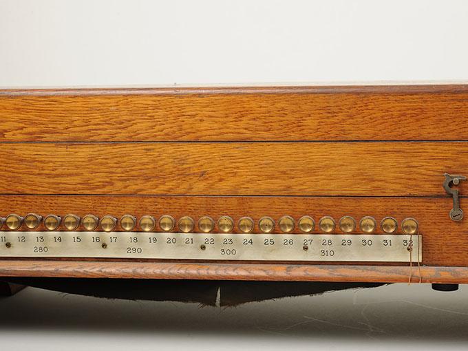 標準音響発生器音響音程発生器27