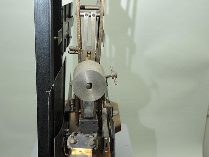 多用途振子型瞬間露出器時間信号発生器およびタキストスコープ5