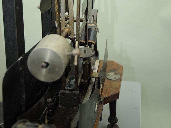 多用途振子型瞬間露出器時間信号発生器およびタキストスコープ6