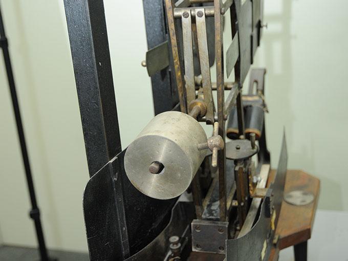 多用途振子型瞬間露出器時間信号発生器およびタキストスコープ8