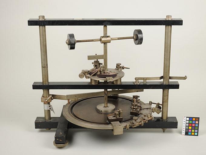 時間信号発生器高速電磁回転装置