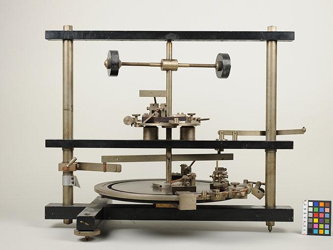 時間信号発生器高速電磁回転装置 2
