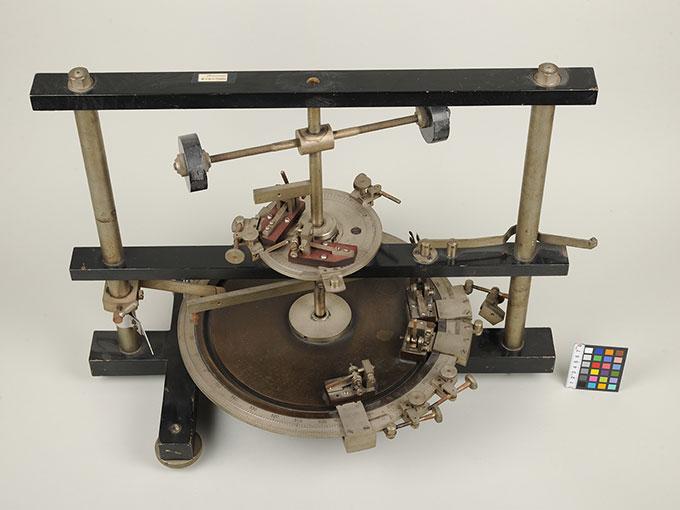 時間信号発生器高速電磁回転装置 3