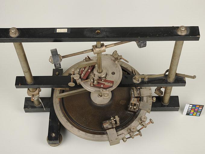 時間信号発生器高速電磁回転装置 4
