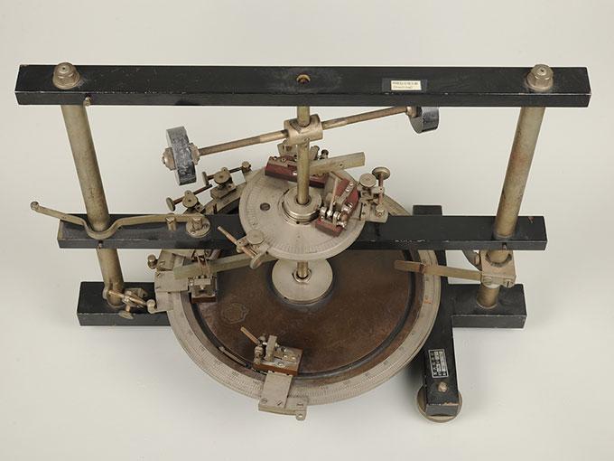時間信号発生器高速電磁回転装置 7