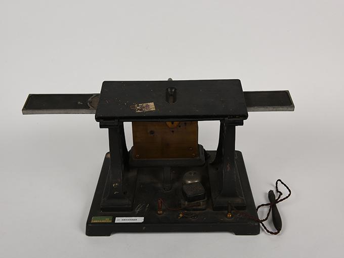 安定度検査器指頭安定度検査器9