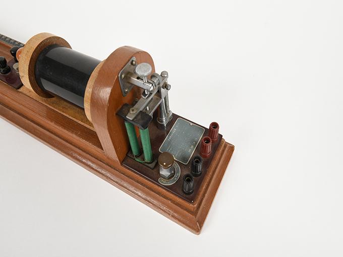 感応コイルケント誘導電流刺激装置7
