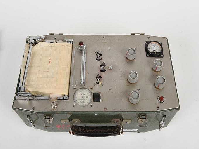 精神反射電流測定器T.K.K.702 RP-4型精神反射電流測定器精神反射電流測定器(GSR測定器)2点一式の1、精神反射電流測定器(GSR測定器)2点一式の26