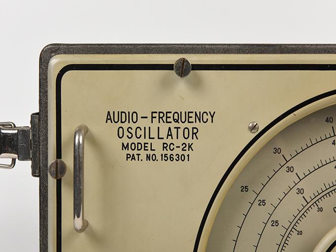低周波発振器低周波発振器 RC-2K型4