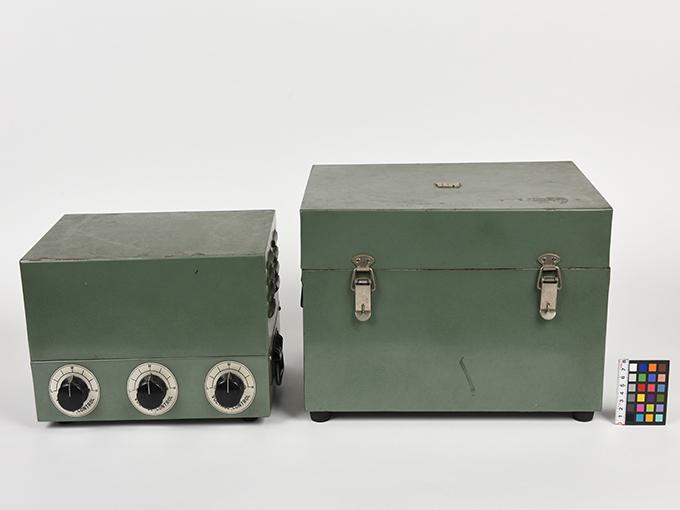 タキストスコープの時間・照度の調節器(名称記入なし2点一式の1)TACHISTSCOPE、(名称記入なし2点一式の2)