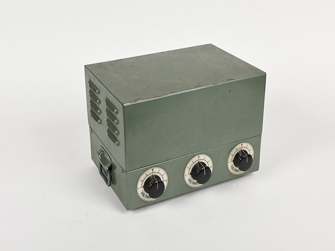 タキストスコープの時間・照度の調節器(名称記入なし2点一式の1)TACHISTSCOPE、(名称記入なし2点一式の2)16
