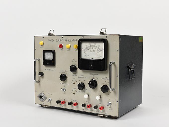 電気ショック電流調整器2