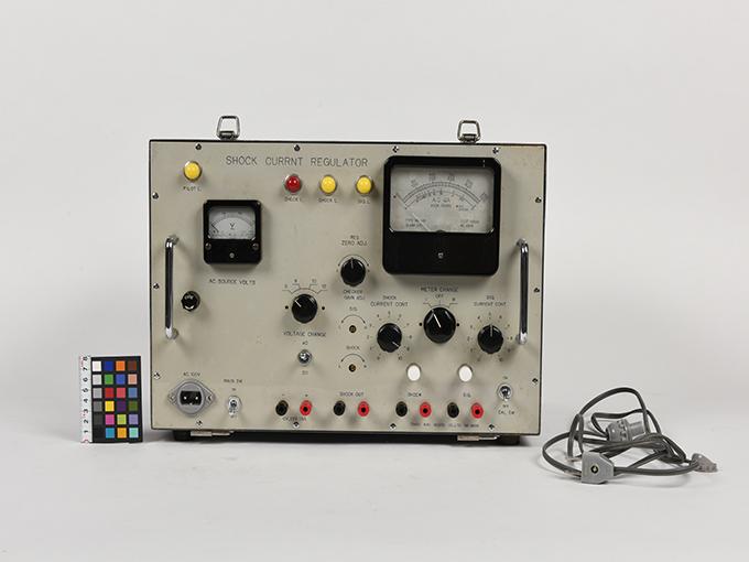 電気ショック電流調整器10
