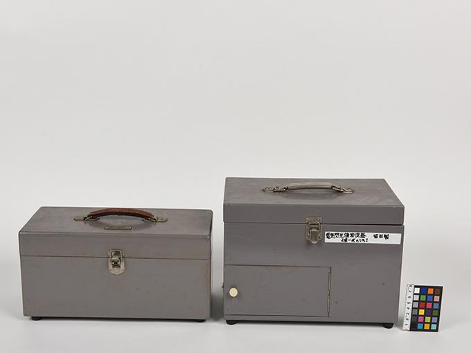 フリッカー電気閃光値測定器2点1式のうち1、電気閃光値測定器2点1式のうち2