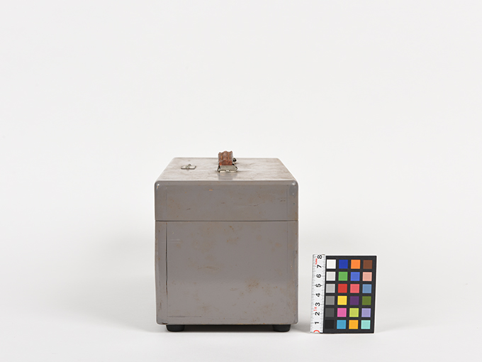 フリッカー電気閃光値測定器2点1式のうち1、電気閃光値測定器2点1式のうち23