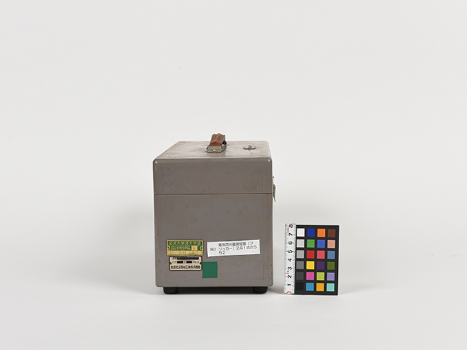 フリッカー電気閃光値測定器2点1式のうち1、電気閃光値測定器2点1式のうち25