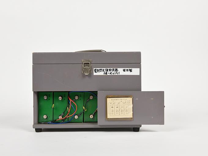 フリッカー電気閃光値測定器2点1式のうち1、電気閃光値測定器2点1式のうち220