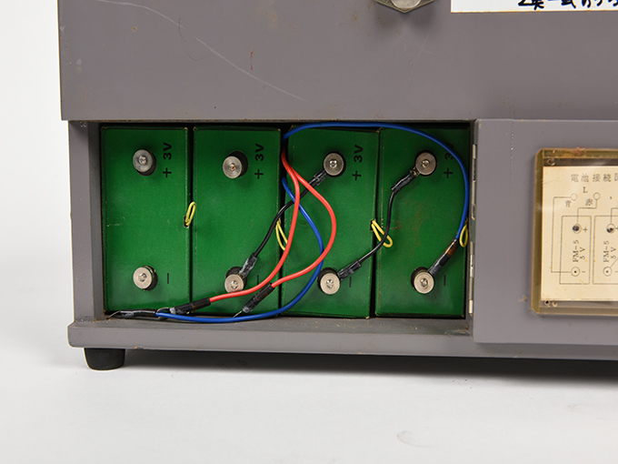 フリッカー電気閃光値測定器2点1式のうち1、電気閃光値測定器2点1式のうち224