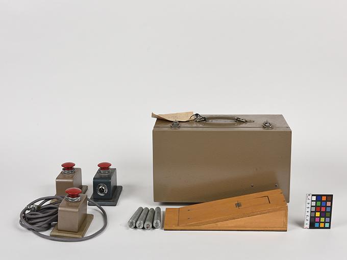 重複作業反応検査器重複作業反応検査器2点一式の2付属品あり、重複作業反応検査器(付)、重複作業反応検査器の付属品