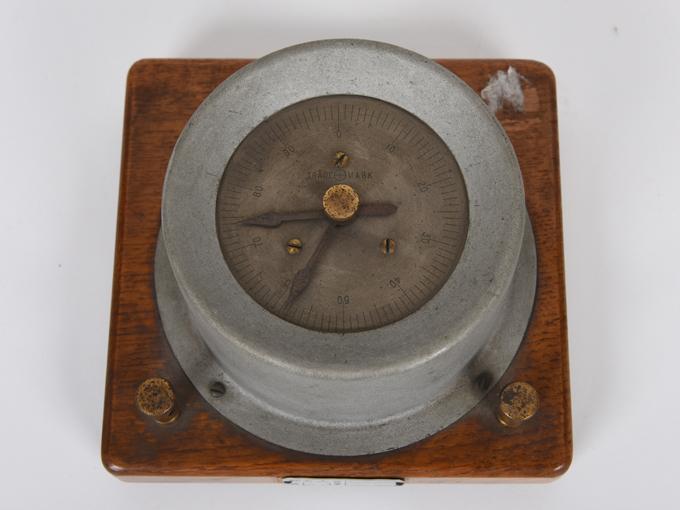 電気計数器タッピング8