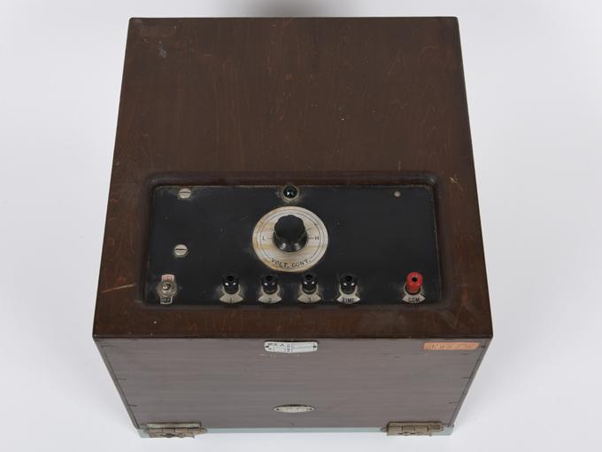 ポリグラフ電気破壊式複合記録器10