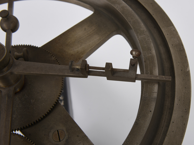 時間知覚実験器モイマンの時間知覚実験器10