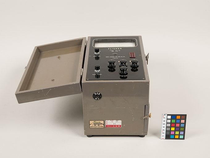 フリッカー値測定器フリッカー値測定器 FL-105