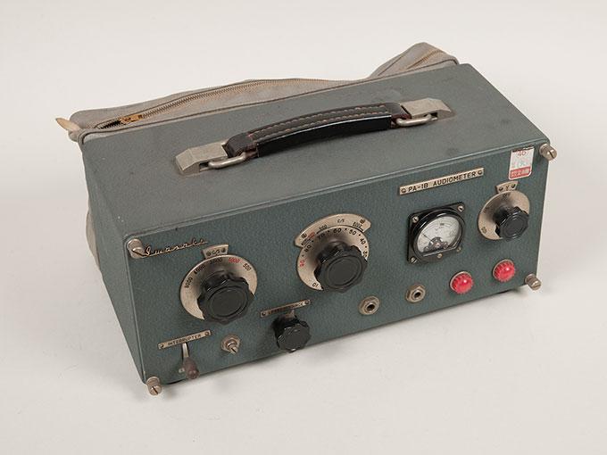 オージオメータPA-1B Audiometer
