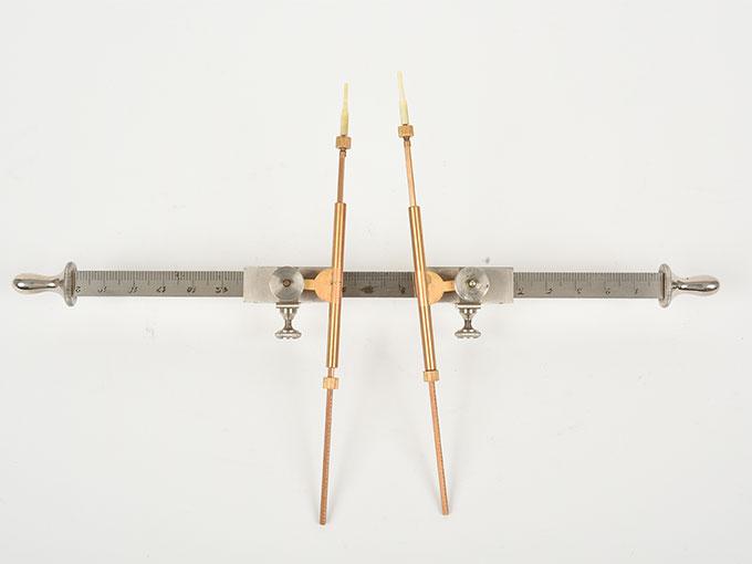 Michotteの皮膚感覚計測器Eesthesiometer de Michotte4