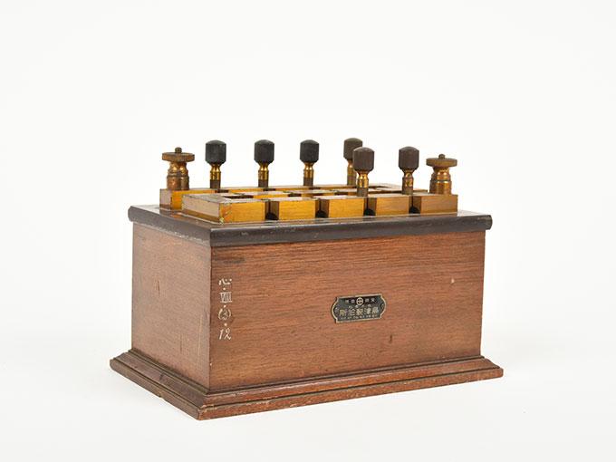 回路中継器抵抗箱 (1110Ω)2