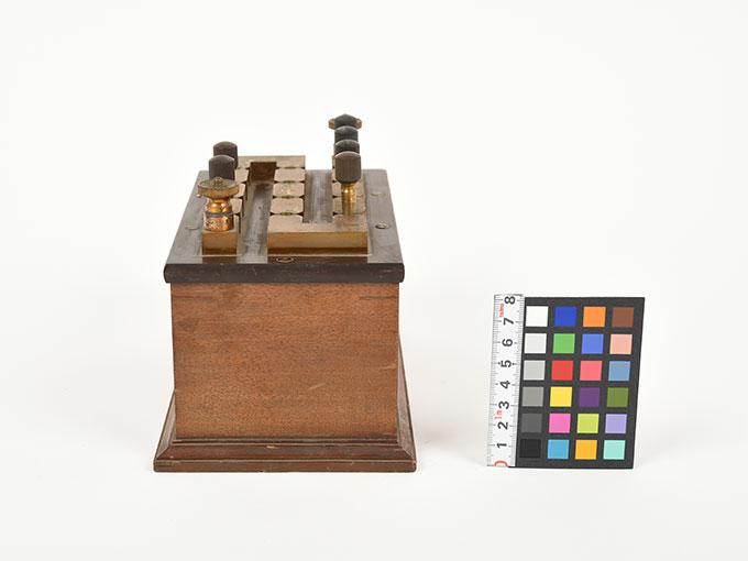 回路中継器抵抗箱 (1110Ω)5