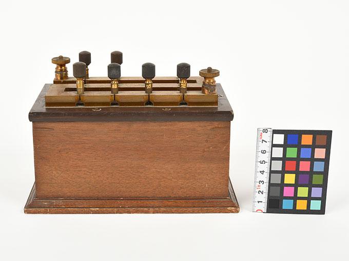 回路中継器抵抗箱 (1110Ω)6