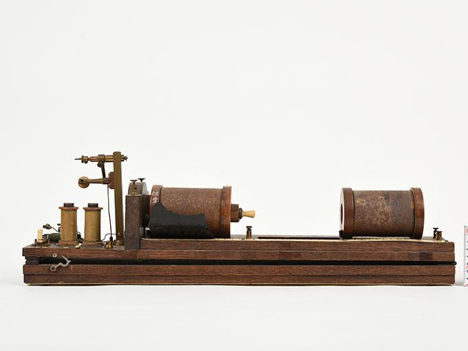 最小可聴音検査器Schlitten-Induktions-Apparat nach Du Bois-ReymondInduktorium3