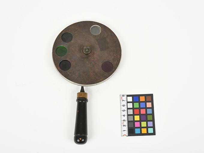 色覚検査器2