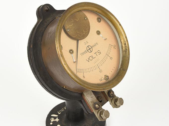 電圧計ボルトメーター 20V