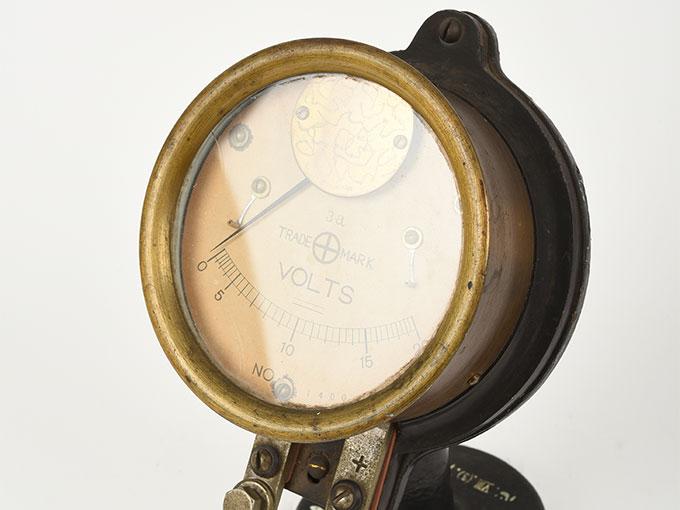 電圧計ボルトメーター 20V2