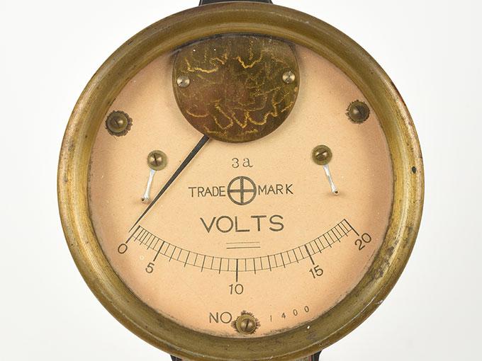 電圧計ボルトメーター 20V3